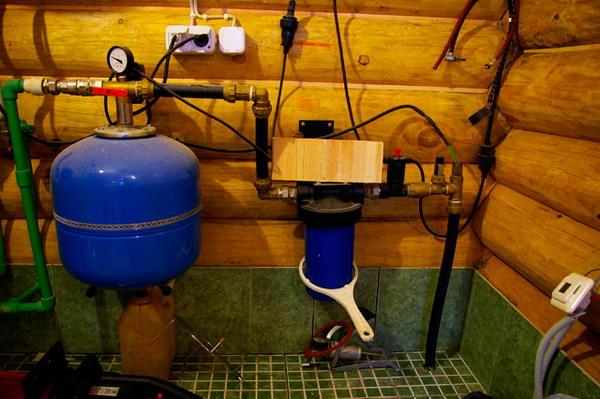 Схема подвода воды в частный дом из скважины и колодца 4